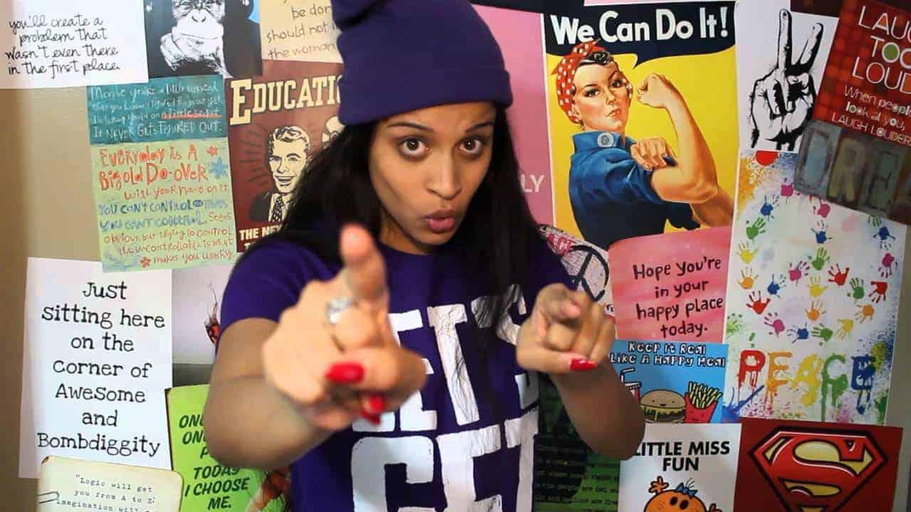 superwoman-youtuber